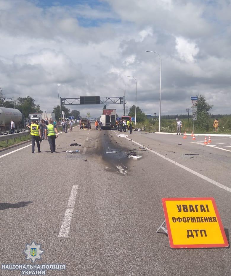 В Житомирской области ДТП: 10 погибших