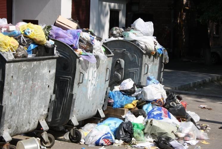 АИС начала выпуск мусоровозов для сел