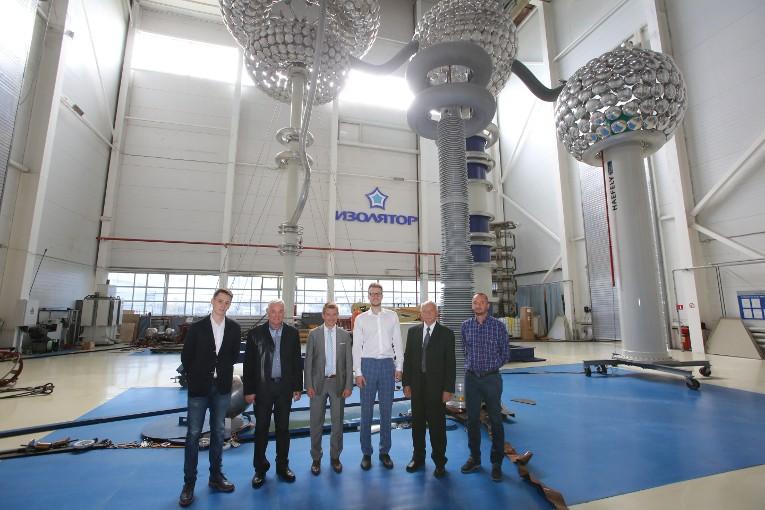 Завод «Изолятор» посетили представители руководства EPC-контрактора из Словакии — компании «ВУЙЭ»