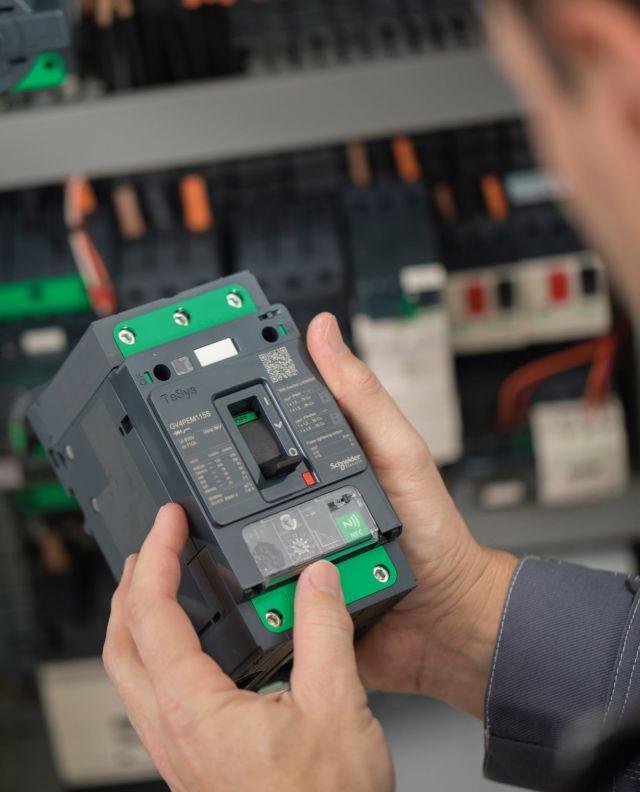 Schneider Electric представляет лучшее решение для двигателей энергоэфффективности класса IE3 и IE4