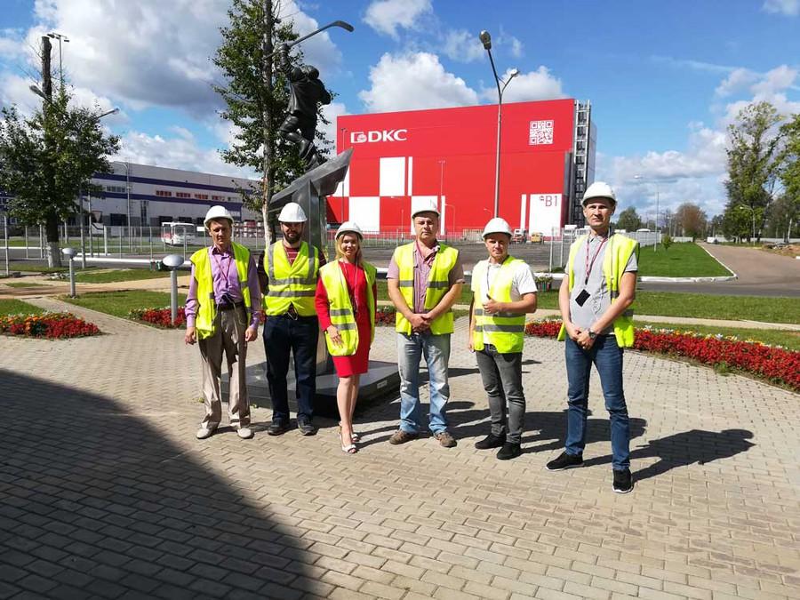 Сотрудники компании «РОСЭК» посетили завод производителя «ДКС» в Твери
