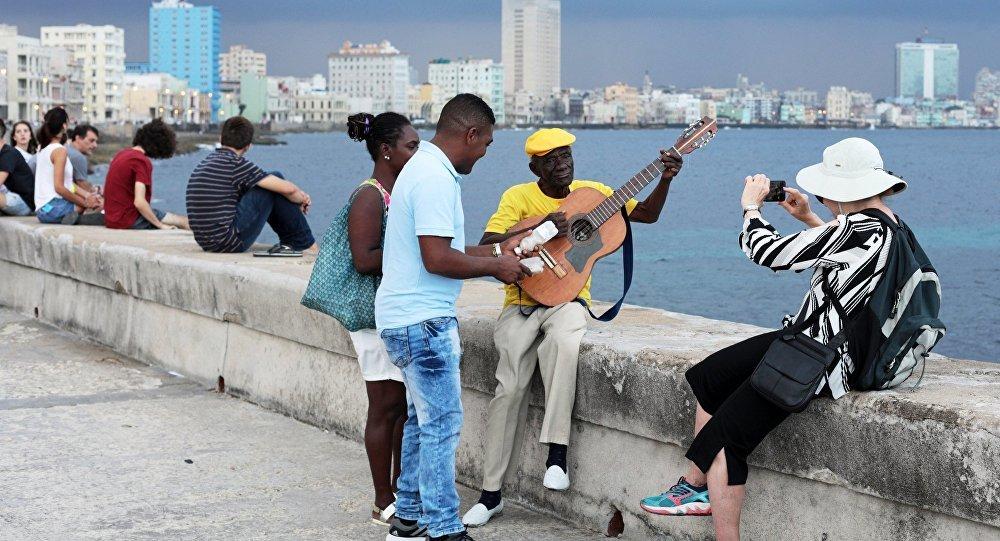 На Кубе появился мобильный интернет