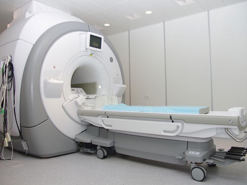 С помощью искусственного интеллекта Facebook хочет ускорить работу аппарата МРТ