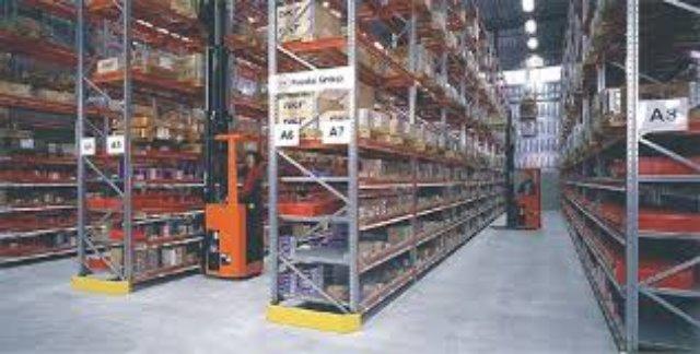 Что нужно учитывать при выборе складских стеллажей