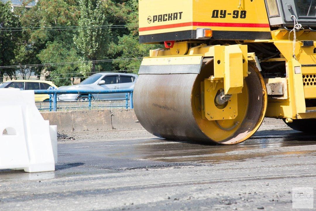 Кабмин перераспределил средства на ремонт дорог: у шести областей забрали 300 млн грн