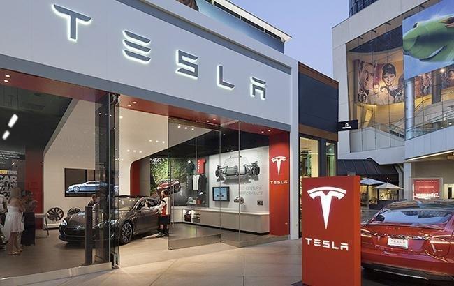 Вице-президент Tesla уходит из компании